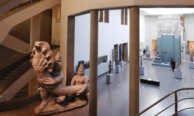 巴黎:藏在文物间的现代艺术展