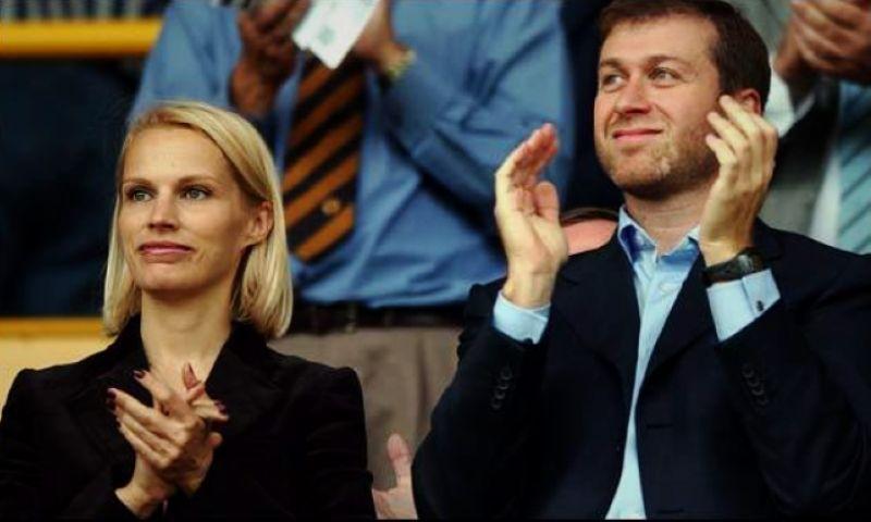 阿布/2007年,切尔西老板阿布拉莫维奇和妻子伊莲娜还是结束了近16年...
