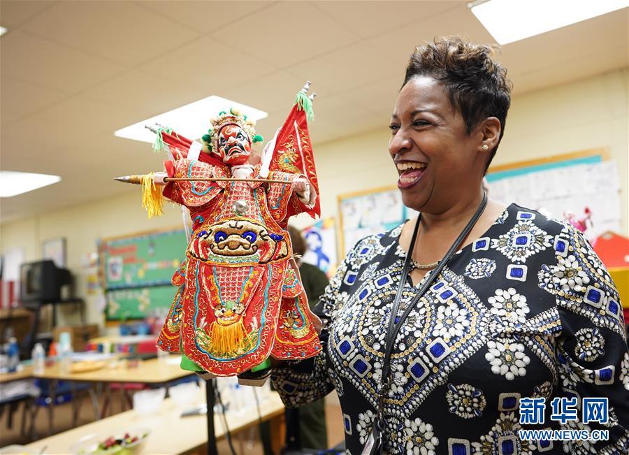(国际·图文互动)(3)通讯:福建布袋木偶戏传承人深入美国民间